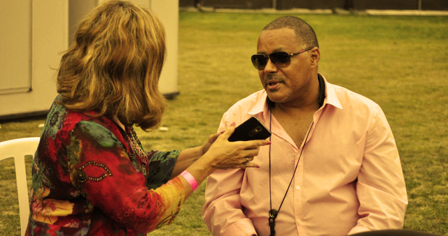 sheryl-aronson-interviews-najee-photo-mikey-adam-cohen